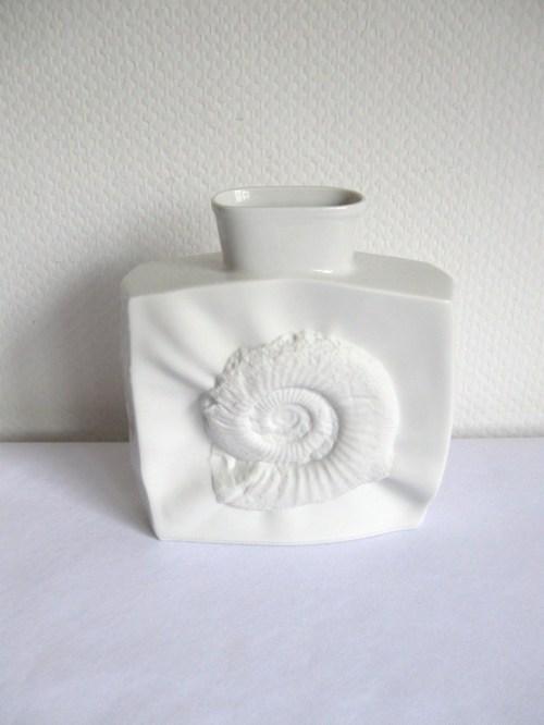 Bild 2 von 70er Bisquitporzellan Vase Ammonit