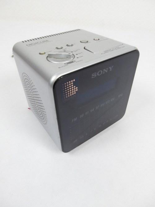 Bild 1 von 80er Radiowecker Sony
