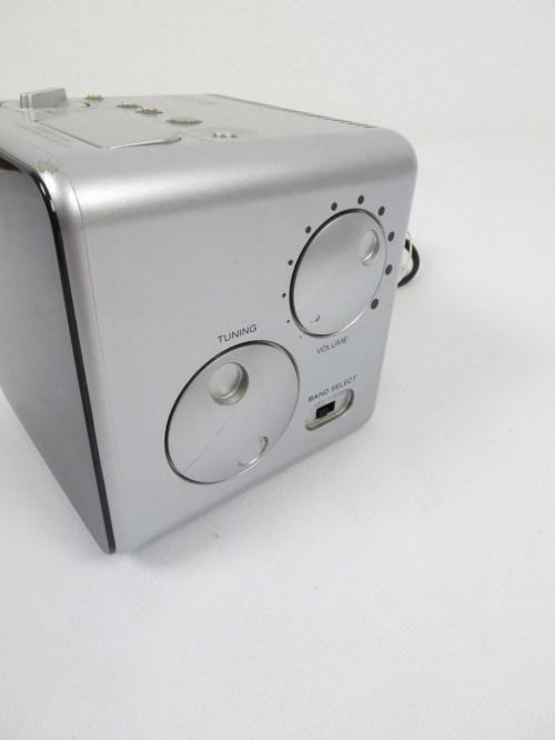 Bild 3 von 80er Radiowecker Sony