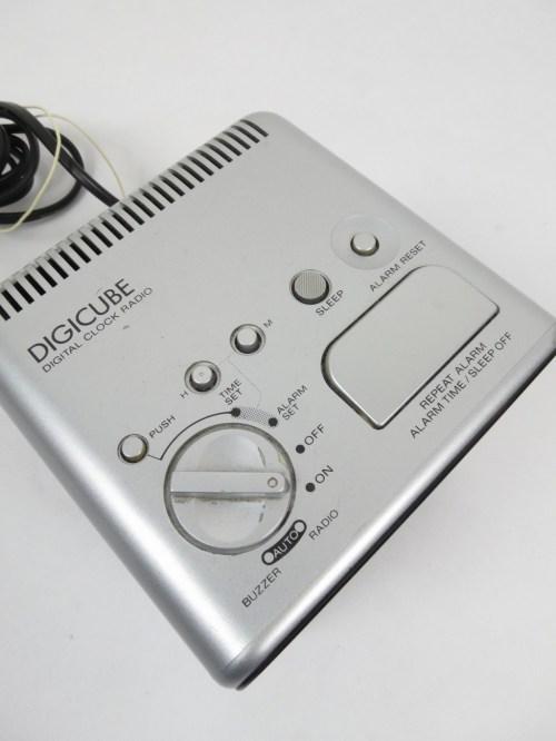Bild 4 von 80er Radiowecker Sony