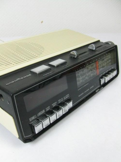 Bild 1 von 70er Radiowecker
