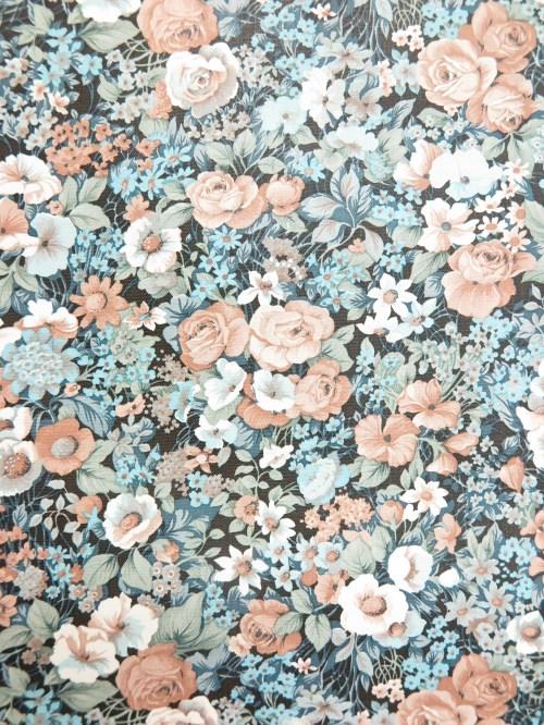 Bild 3 von Tapete Mary Rose