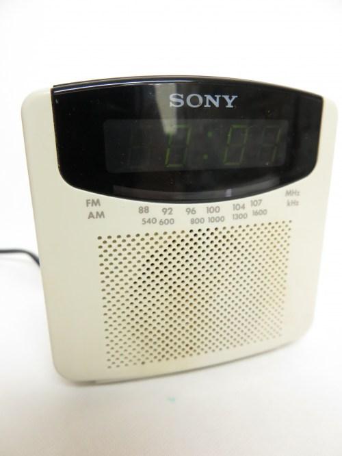Bild 1 von 80er Radiowecker DIGICUBE