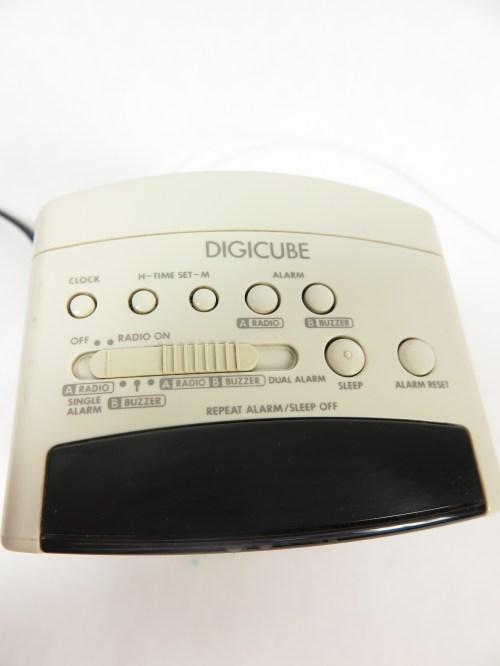 Bild 3 von 80er Radiowecker DIGICUBE