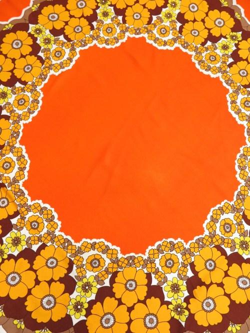 Bild 1 von 70er Tischdecke Rund