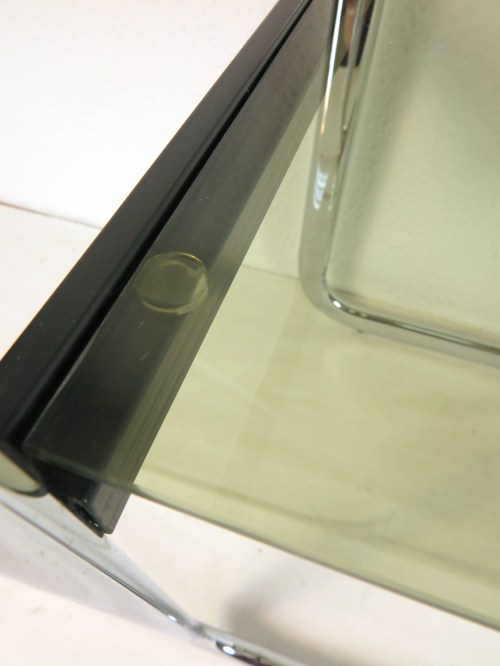 Bild 3 von 70er Glas Beistelltisch Rauchglas