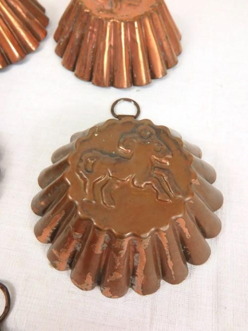 Bild 5 von 70er Kuchenförmchen zum Aufhängen mit Sternzeichen