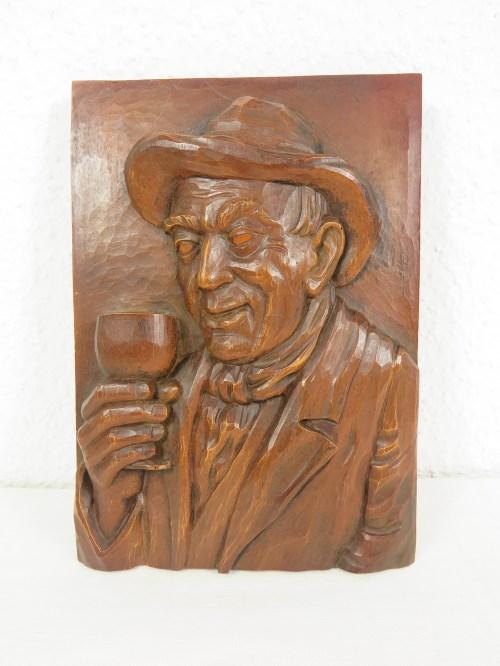 Bild 1 von 70er Holzbild, Der Weintrinker