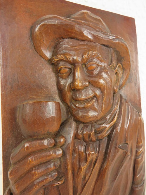Bild 3 von 70er Holzbild, Der Weintrinker